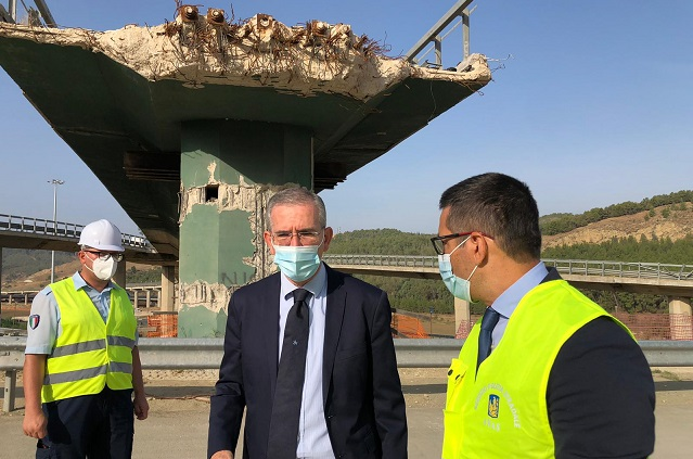 Proseguono i lavori sulla SS 640, demolito il vecchio viadotto Salso